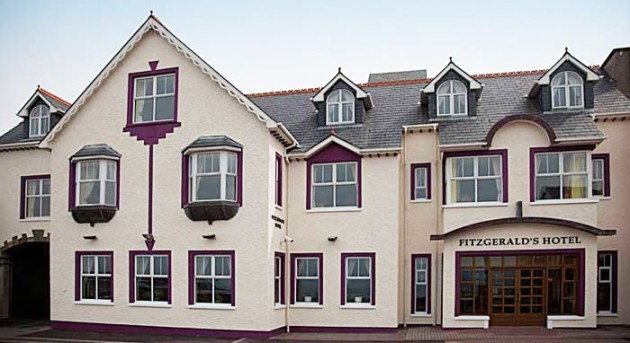 Fitzgerald's Hotel Bundoran, County Donegal : Donegal Hotel Accommodation in a central location in Bundoran Town overlooking the sea : no bus tours or functions : guests are assured of a relaxing hotel break with rooms offering mountain or sea views