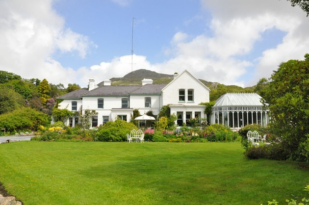 Cashel House Hotel, one of Connemara's most gracious mid-19th century country houses : Luxury 4 star family run hotel overlooking Cashel Bay : in the heart of Connemara on the West coast of Ireland amidst 50 acres of award winning gardens with woodland walks