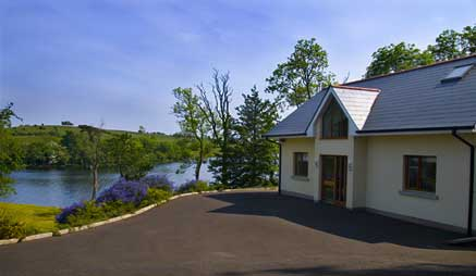 Self-Catering Holiday Homes on the shores of Lough Erne : Inishclare Holiday Cottages are luxury house rentals with direct access to Lough Erne : in a quiet country location they are ideal for holiday and weekend breaks in County Fermanagh, Northern Ireland