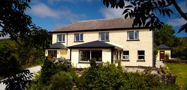 Four Star Bed & Breakfast in Clifden, Connemara : Sharamore B&B, Clifden, offers charming bed and breakfast accommodation, rooms with private bathrooms and lovely views of the Connemara countryside